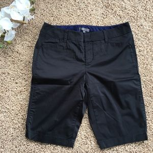 Vince sateen twill Bermuda shorts in navy 4